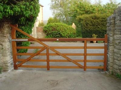 Turned Heel gate