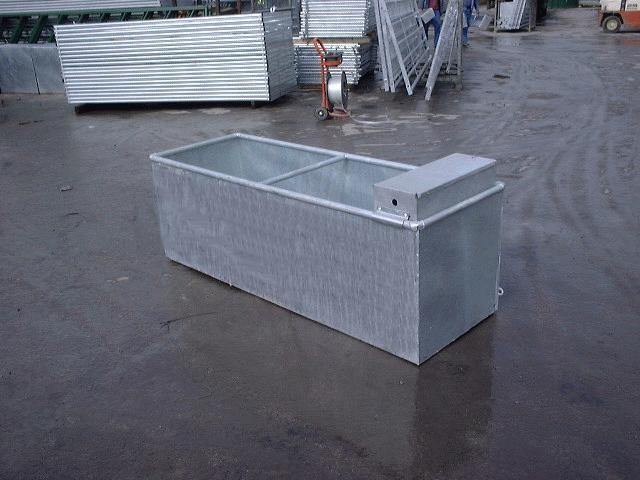 1800x610x610mm WATER TROUGH