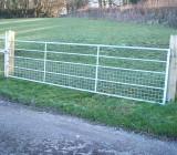 5 Rail Half Mesh Gate