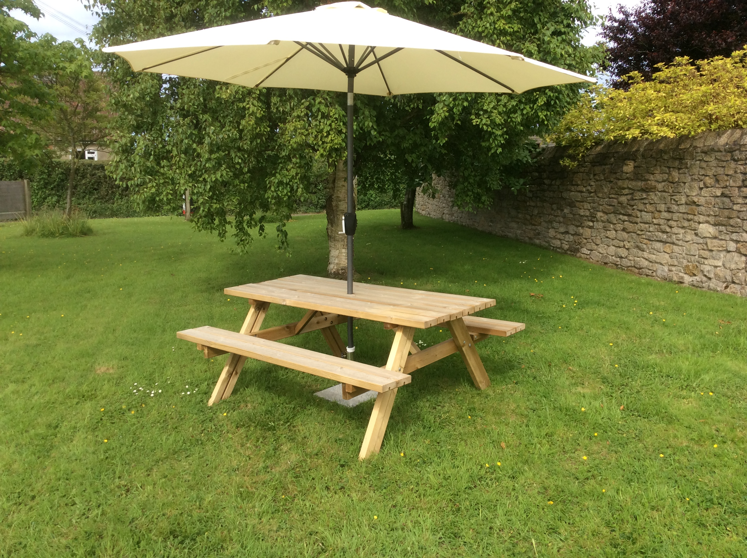 Tanalised Picnic Table John Bright Fencing - Picnic table parasol