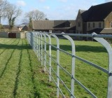 Curved-top-parkland-fencing[1]