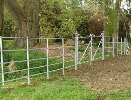Parkland-fencing-and-gate[1]