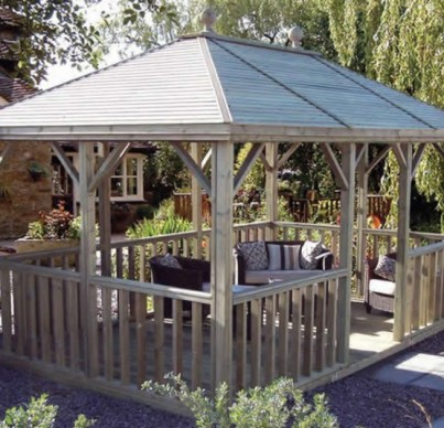Open plan summerhouse