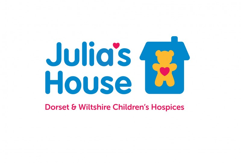 Julias House logo